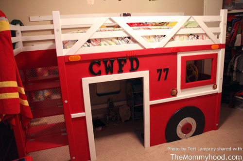 DIY Firetruck Bunk Bed Built By Two Grandpas